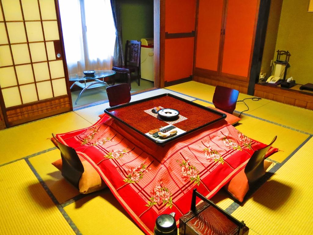 こたつ部屋千曲市戸倉上山田温泉中央ホテル