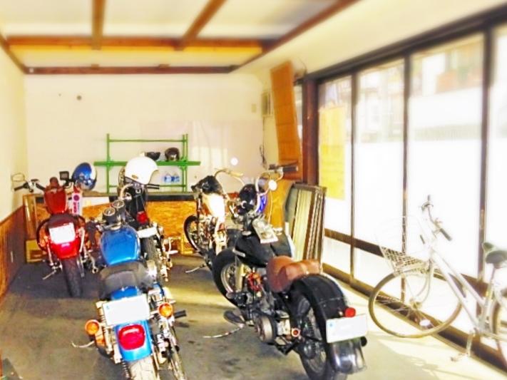 バイク駐車場屋内屋根付き戸倉上山田温泉中央ホテル
