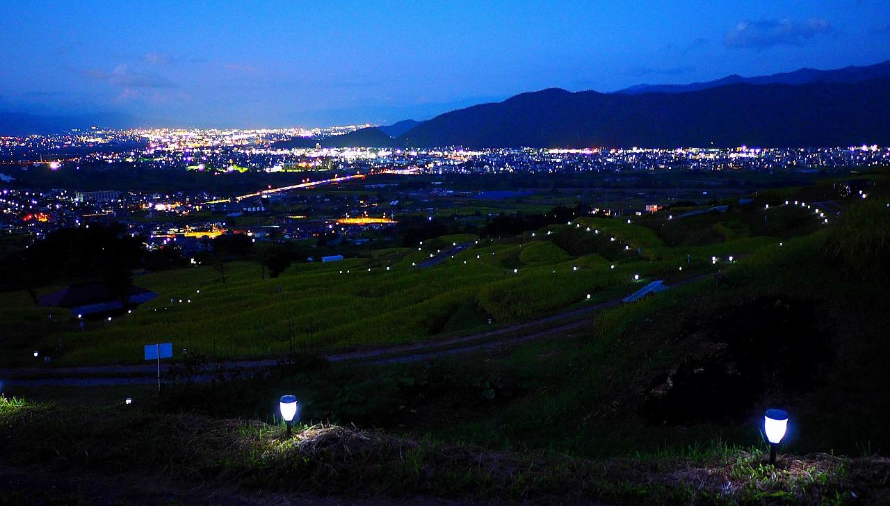 長野県千曲市姨捨棚田秋田毎の月おばすて観月祭ライトアップ
